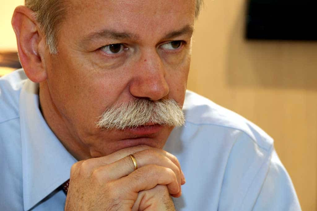 Daimler Returns a Small Q3 Profit