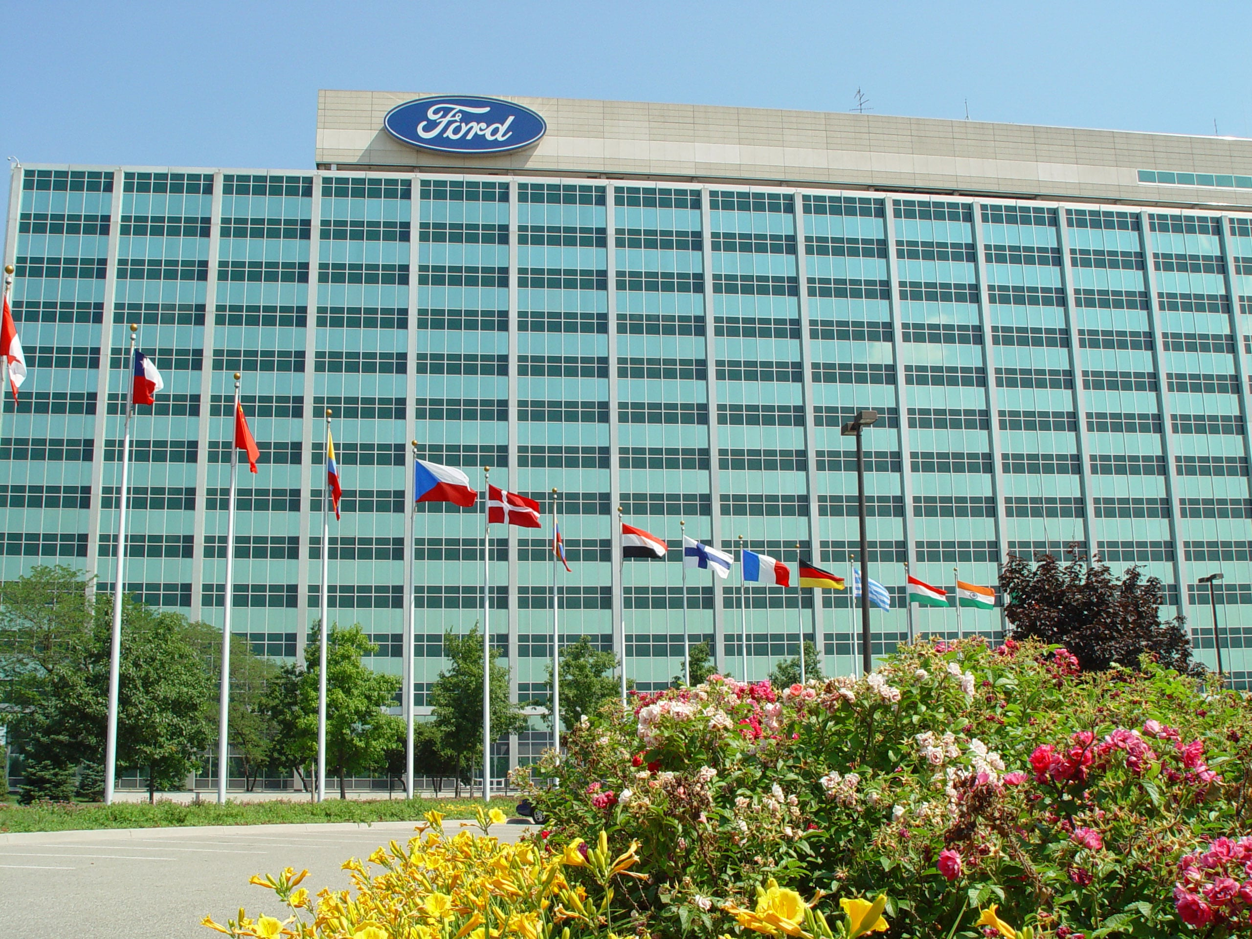 Ford Smacked with Ratings Cut by Moody's