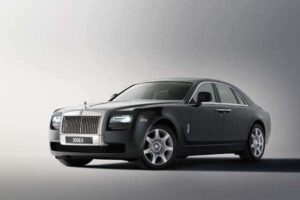 Rolls-Royce aims to take on Bentley's Continental Flying Spur with the new Ghost.