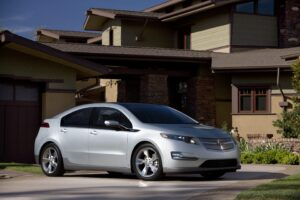 Chevrolet will stick to a conventional model when it begins selling the Volt plug-in, next year.