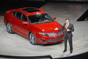 Ford President Mark Fields reveals the 2010 Lincoln MKS with Ecoboost. TheDetroitBureau.com tests the new engine, which Ford bills as a high-mileage, cost-effective alternative to diesels and hybrids.
