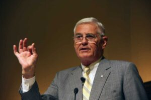 "Whether in or out of bankruptcy, says ""car czar"" Bob Lutz, the automaker is about to face a ""cleansing fire."""