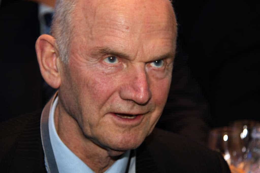 VW Chairman Piech Unexpectedly Quits After Clash Over Company's Future