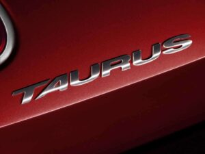 The badge may be the same, but there are some big differences between the original Taurus and the 2010 version. For one thing, the new car is a full-size, rather than midsize sedan.