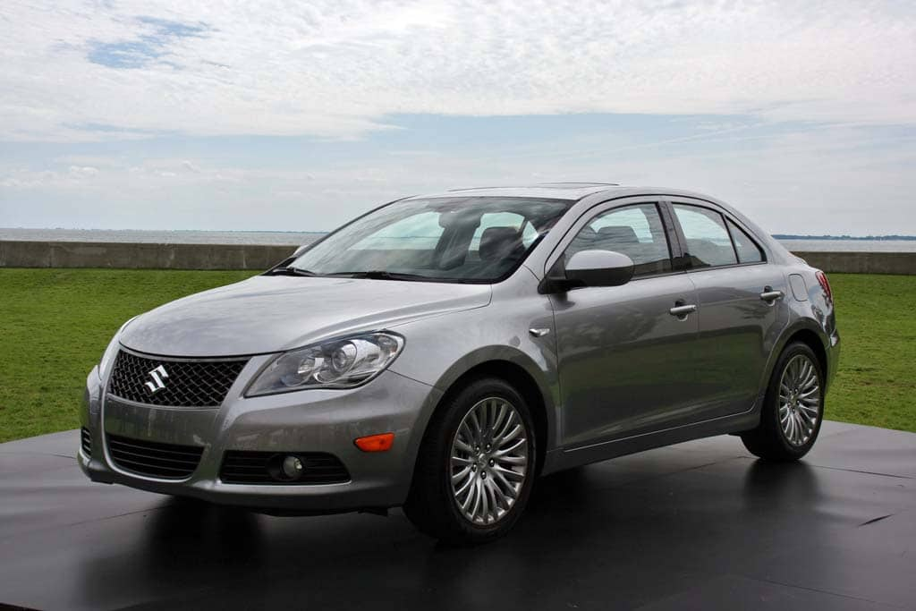 First Look: 2010 Suzuki Kizashi