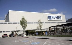 The UAW is firing the first salvo hoping to prevent the closure of the 26-year-old NUMMI venture, near San Francisco.