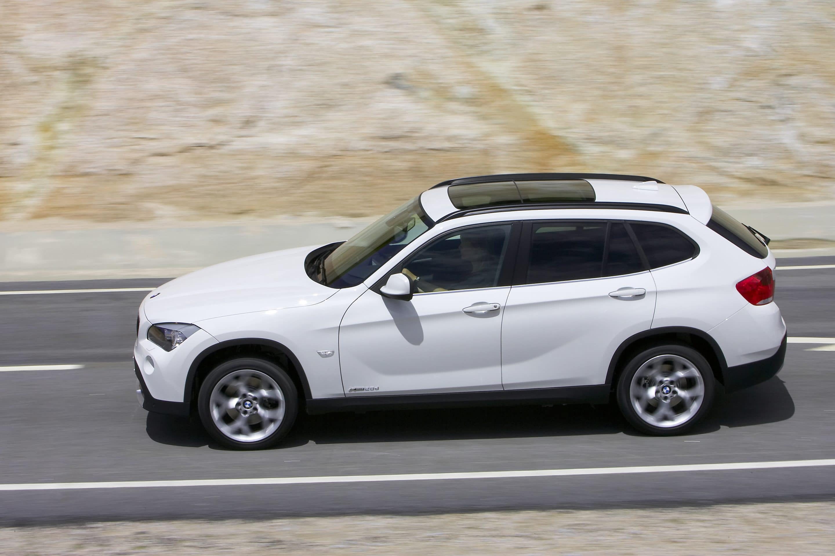 bmw x1 crossover suv coming to the u s. Black Bedroom Furniture Sets. Home Design Ideas