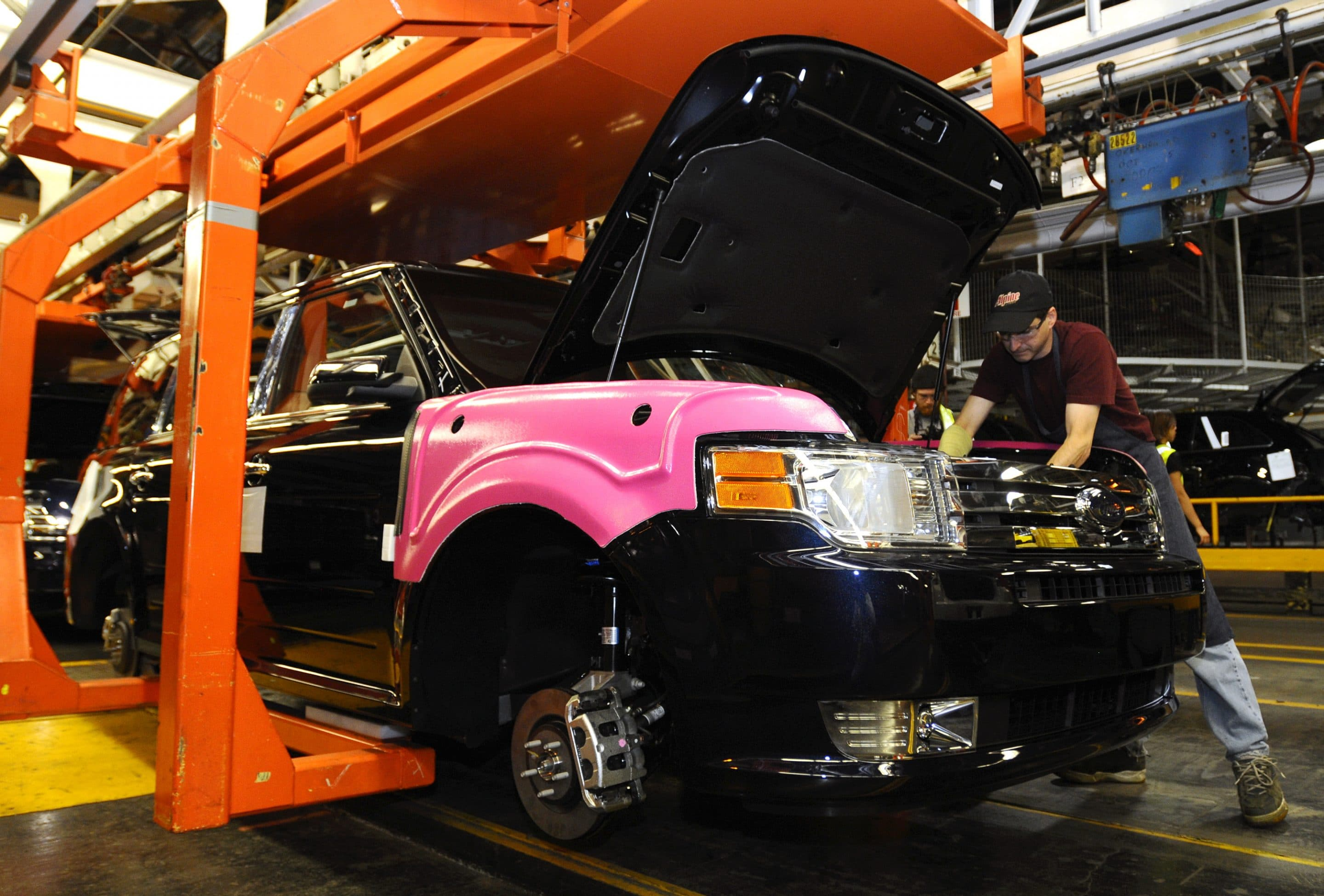 Canadian Union Workers Ratify New Deal with Ford