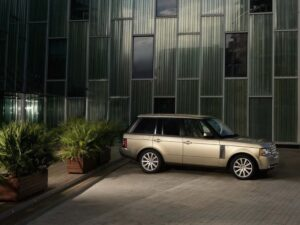 The Land Rover flagship, the 2010 Range Rover, features an all-new nose appearance, grille, hood, fenders, air inlets, fender vents, front and rear lamps, and wheels.