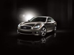 The 2011 Infiniti M prototype bears the unmistakable imprint of the automaker's well-regarded Essence concept vehicle.