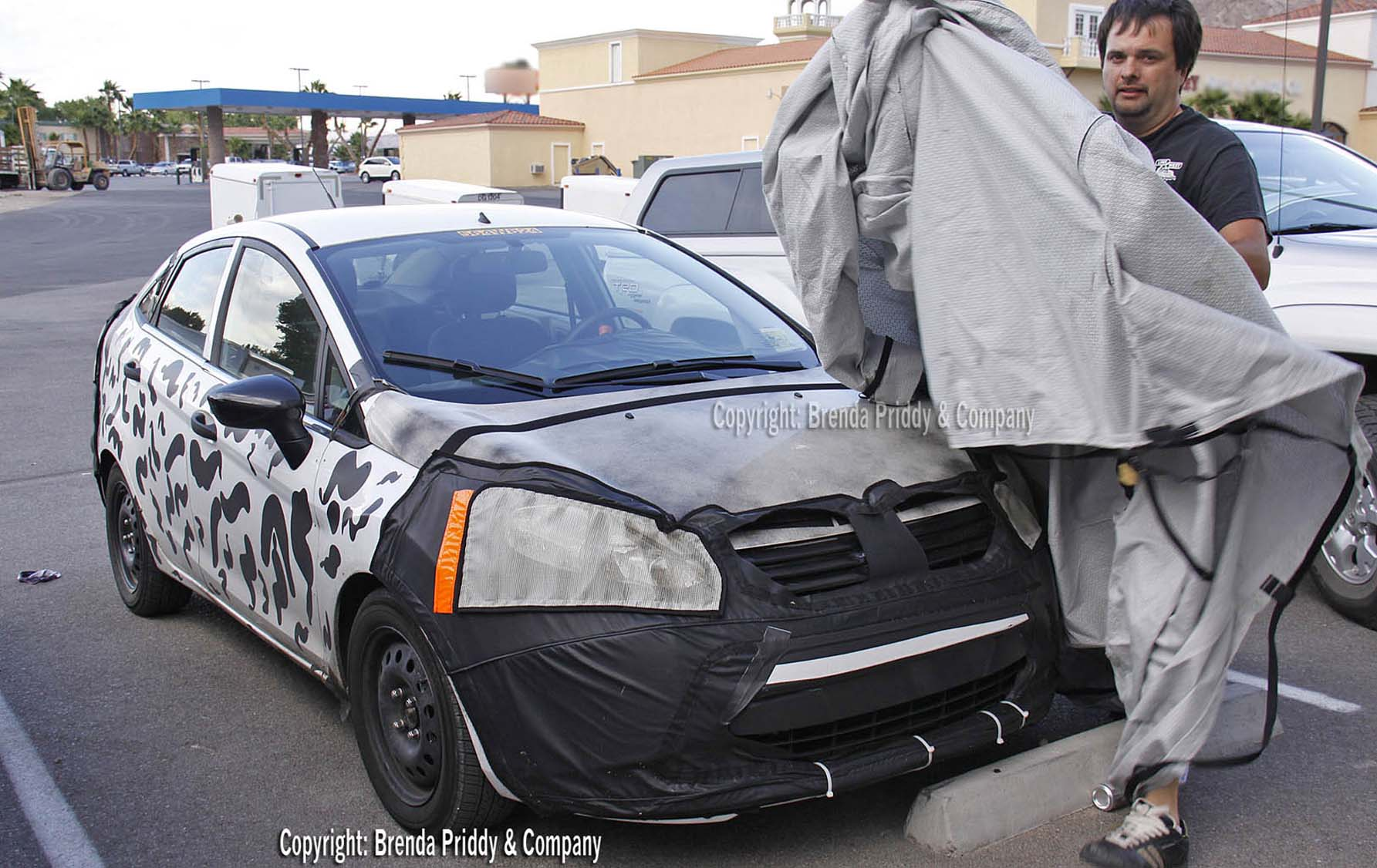 Spy Shots: 2011 (U.S. spec) Ford Fiesta Sedan