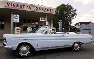 Vinsetta Garage, Woodward Avenue, Royal Oak, Mich. Len Katz photo, click to enlarge