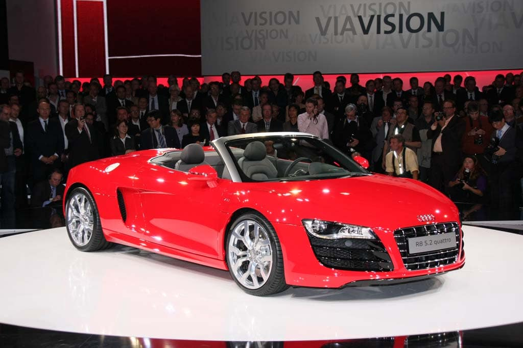 The 2010 Audi R8 5.2 Spider Delivers Essentially The Same Numbers As The  Coupe V10 Supercar