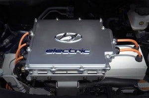 The 2010 Hyundai i10's electric drivetrain can hit 81 mph and provides about 100 miles range per charge.