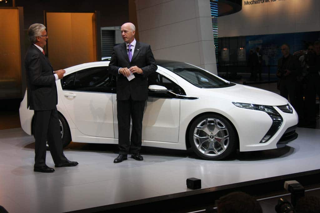 Chevy Volt Twin Ampera Going Into Hertz Fleet Thedetroitbureau Com