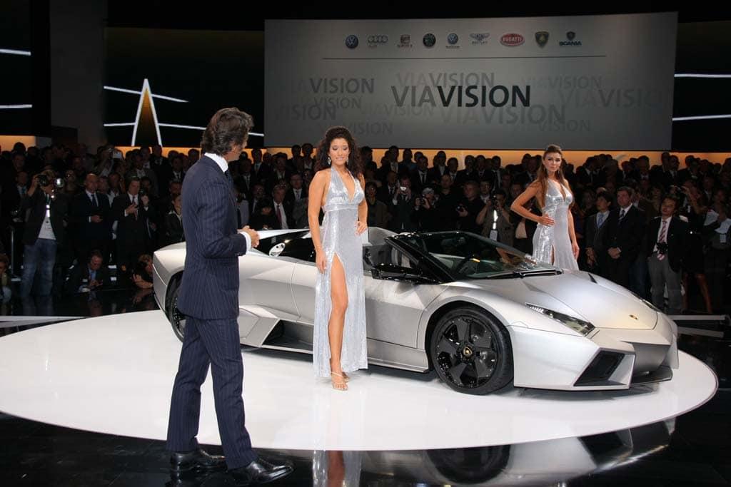 First Look 2010 Lamborghini Reventon Roadster Thedetroitbureau Com