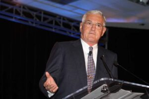 """Maximum"" Bob Lutz praises ousted GM CEO Fritz Henderson but would prefer to talk about the new Chevrolet Volt."