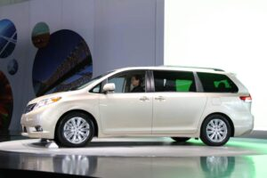 Toyota launches its 3rd-generation Sienna minivan and aims to make gains in a market other brands have abandoned.