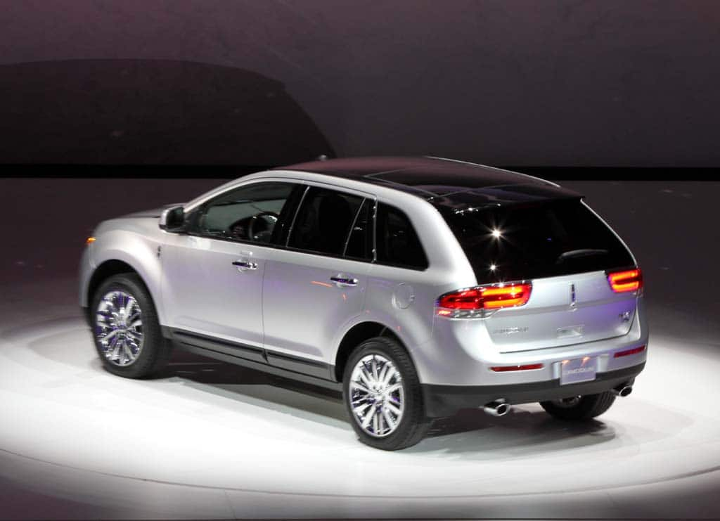 first look 2011 lincoln mkx. Black Bedroom Furniture Sets. Home Design Ideas