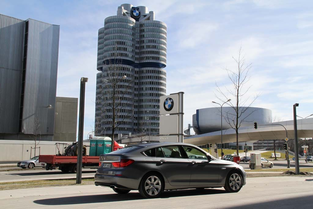 BMW Alters Guidance in Face of Pandemic