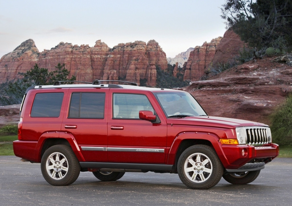 chrysler recalls jeep commander and grand cherokee suvs. Black Bedroom Furniture Sets. Home Design Ideas