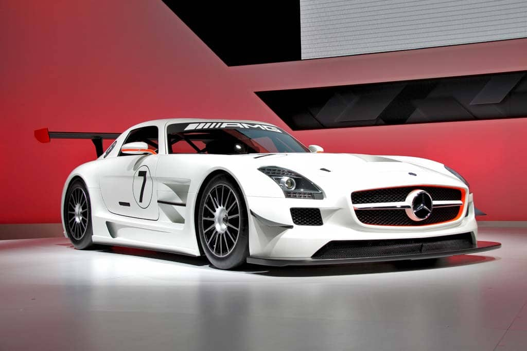 first look 2011 mercedes benz sls amg gt3. Black Bedroom Furniture Sets. Home Design Ideas