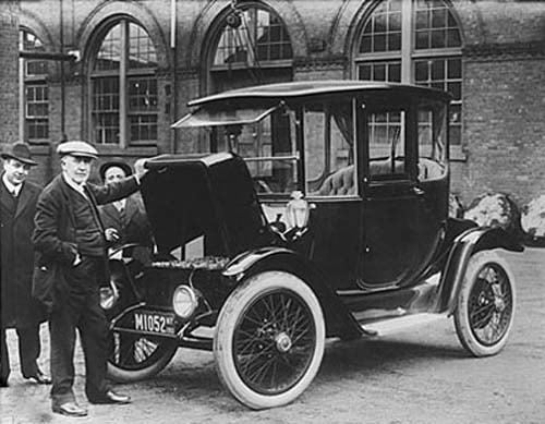 a new face for the automotive industry brought by henry ford How the us automobile industry has changed  the mass production techniques of henry ford,  new boom in the industry and profits hit new highs by 1948, the american auto industry rolled .