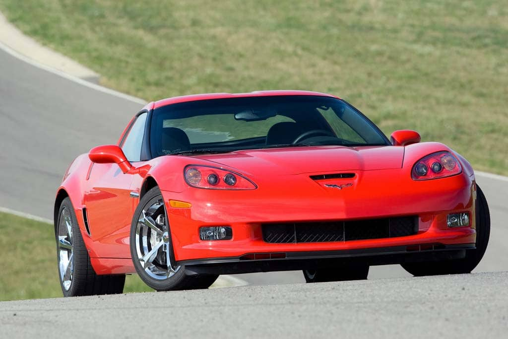 first drive 2010 chevrolet corvette grand sport. Black Bedroom Furniture Sets. Home Design Ideas