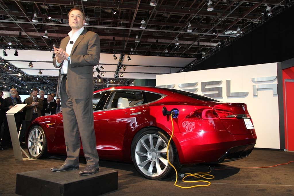 "Tesla Announces No-Fault Battery Warranty; ""Valet"" Loaner Program"
