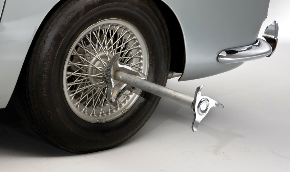 Project: Blackalicious.  James-Bond-Aston-Martin-DB5-Spinner