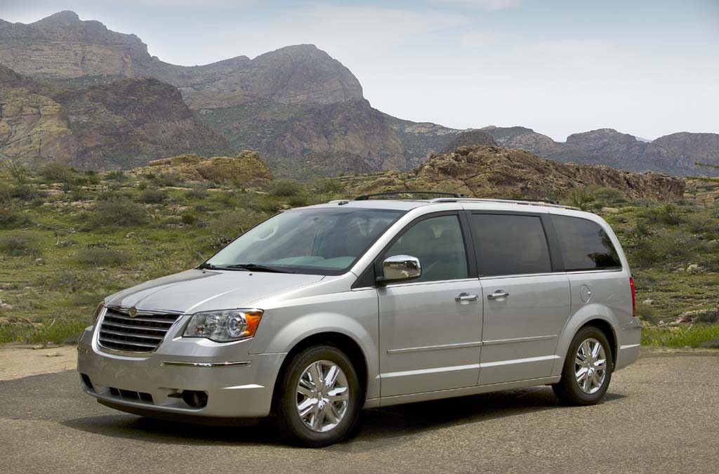 Chrysler Killing Town & Country, Keeping Dodge Caravan