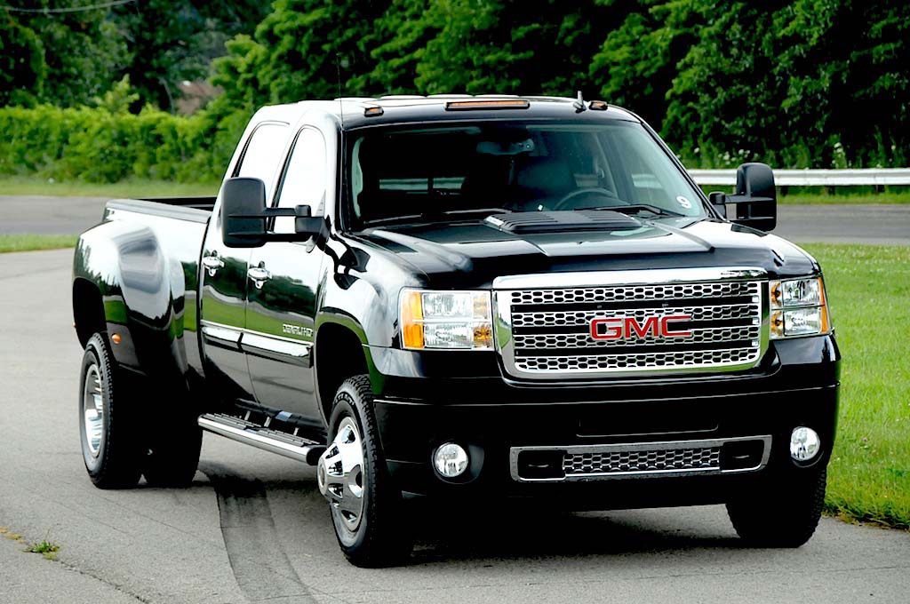 The first GMC truck to bear the top-rated Denali name made its debut
