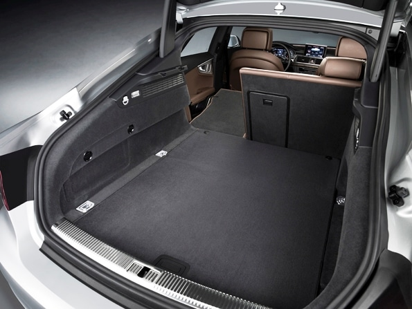 first look audi a7 5 door hatchback. Black Bedroom Furniture Sets. Home Design Ideas