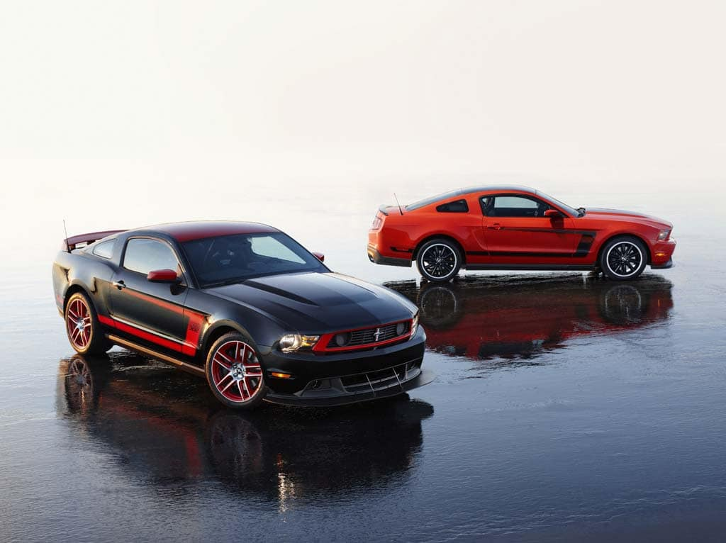 first look 2012 ford mustang boss 302. Black Bedroom Furniture Sets. Home Design Ideas