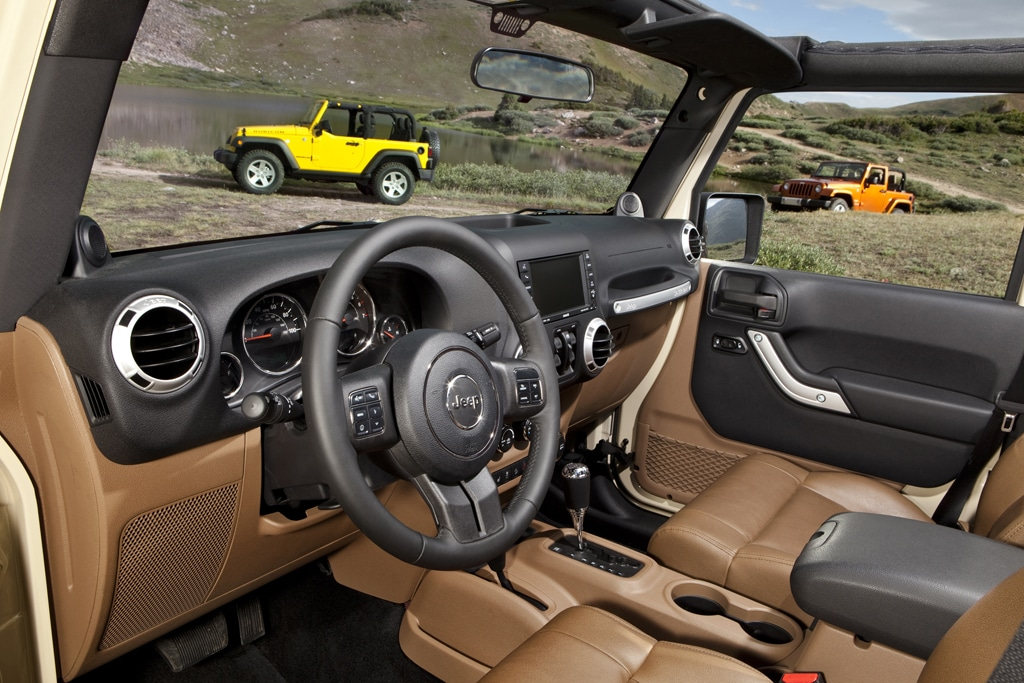 This Is A Wrangler Iconic Jeep Gets Modern Interior For 11 2011 Jeep Wrangler Interior