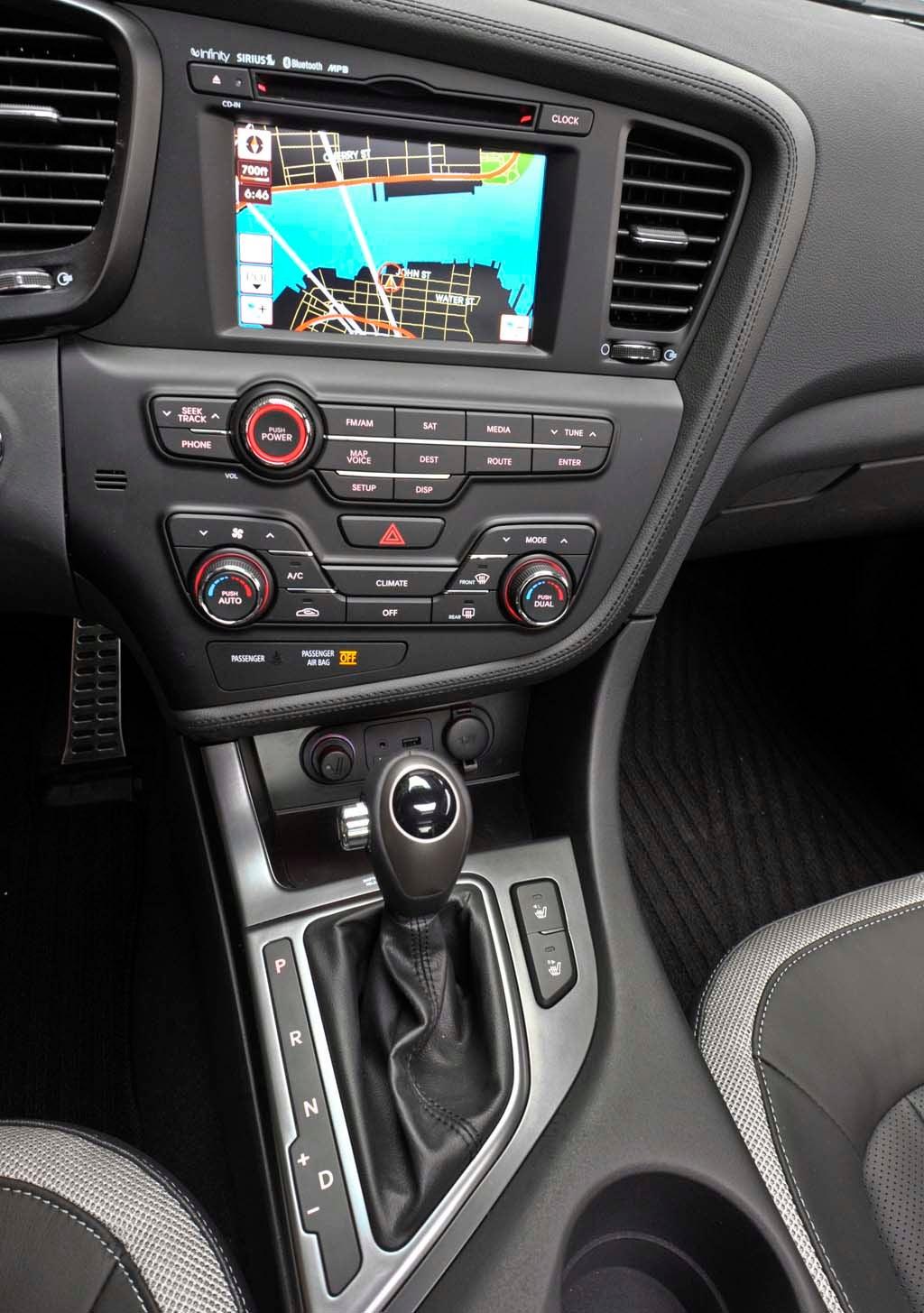 first drive 2011 kia optima 2011 kia optima center stack rh thedetroitbureau com 2014 kia optima navigation manual us 2010 Kia Optima