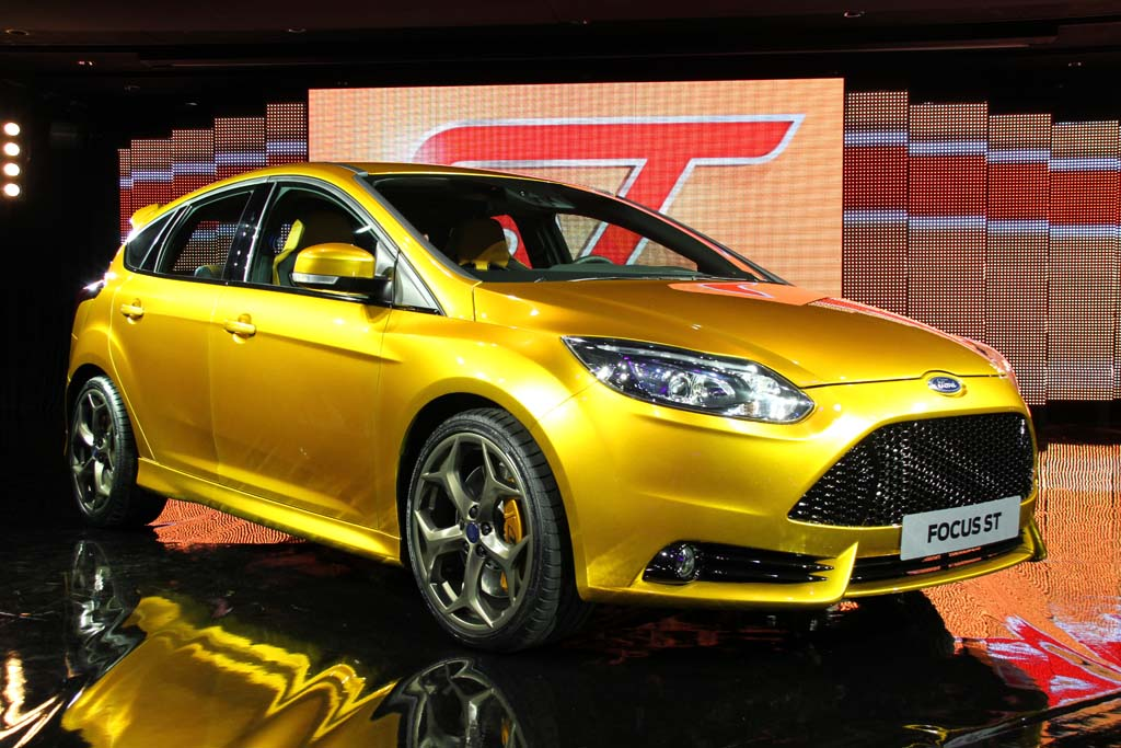 First Look: Ford Focus ST
