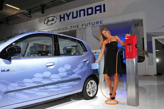 first look hyundai blueon battery electric vehicle hyundai i30 electric. Black Bedroom Furniture Sets. Home Design Ideas