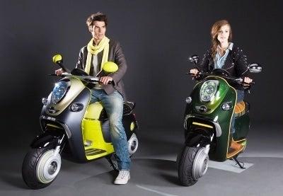 Mini Scooter E Debuts at Paris Motor Show