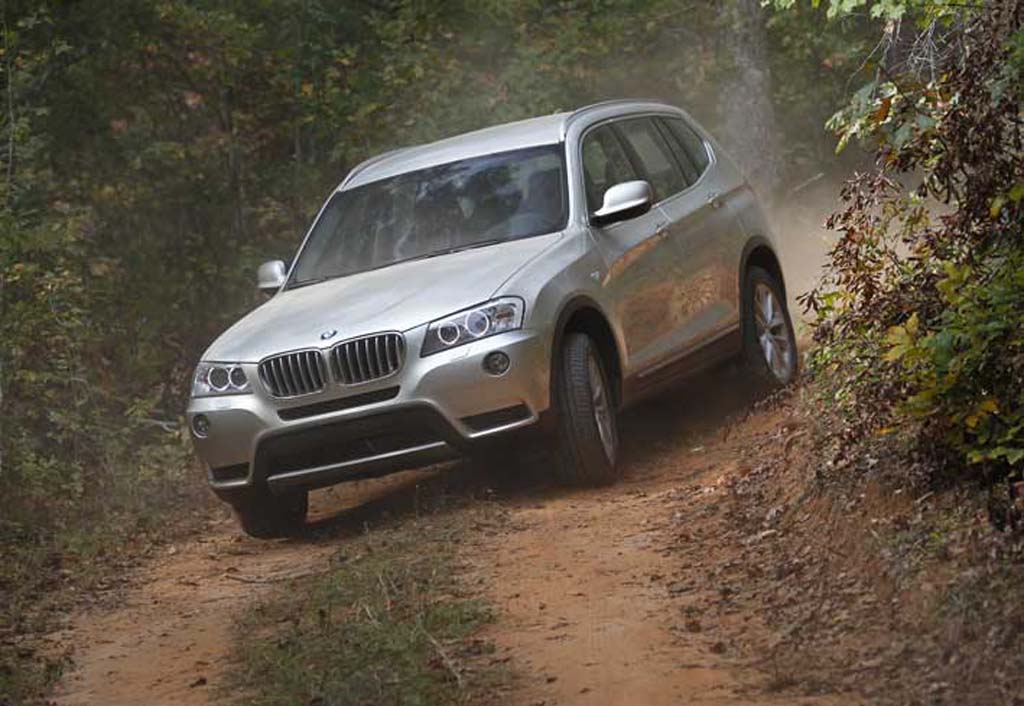 first drive 2011 bmw x3 xdrive 35i and 20d 2011 bmw x3. Black Bedroom Furniture Sets. Home Design Ideas