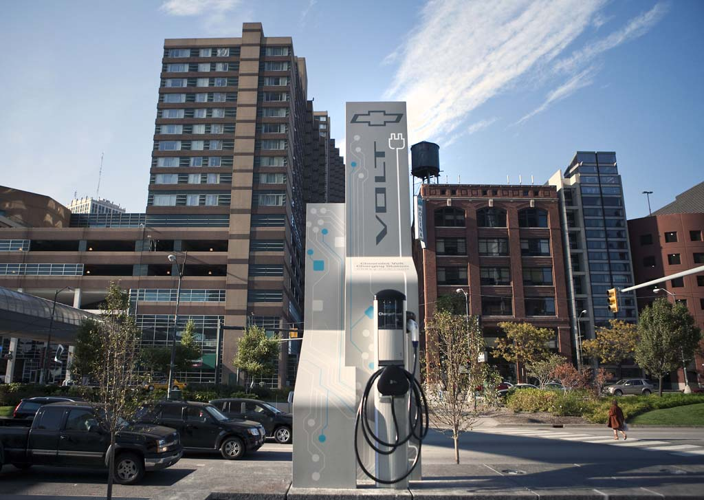 Study Says 39% Of Americans Considering Hybrid Or Plug-In