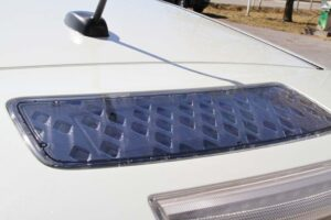 A small solar panel above the rear spoiler provides some additional energy.