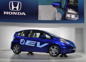 Honda will bring out a production version of the Fit EV in 2012, the maker confirmed.
