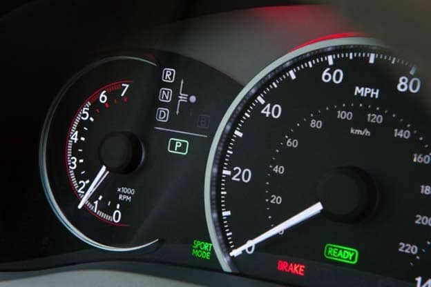 The Left Side Of This Reconfigurable Gauge Switches From Battery Status To Tachometer In Sport Mode
