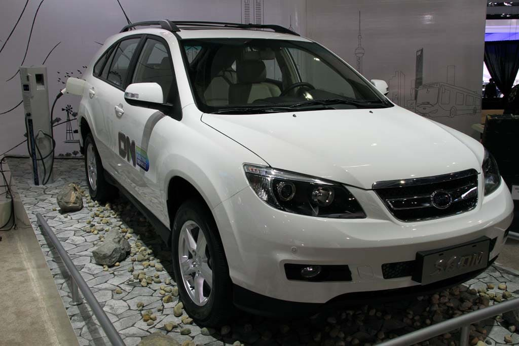 BYD Looks to Triple EV Sales in 2016