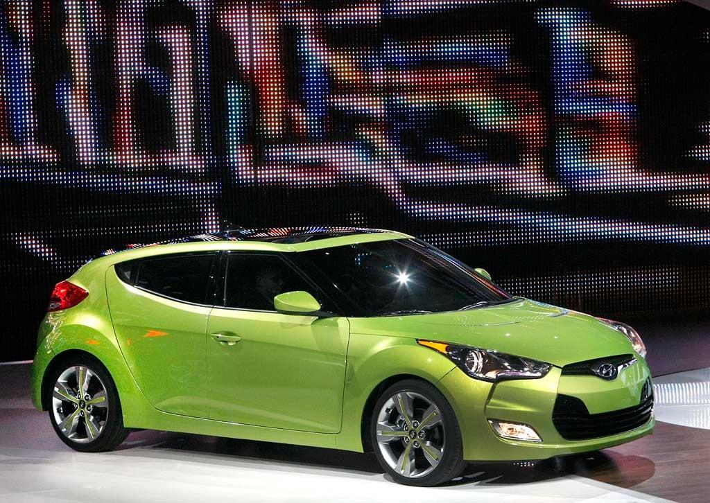 Hyundai Veloster: Two-door or Four-door? Yes - The Detroit Bureau | Hyundai Two Door Car |  | The Detroit Bureau