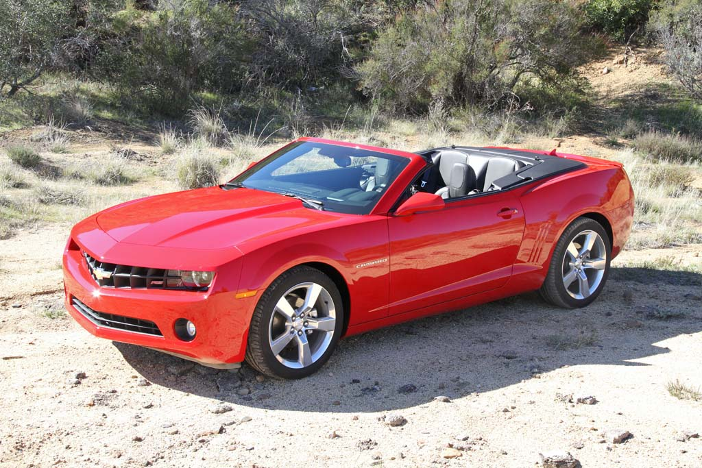 first drive 2011 chevrolet camaro convertible. Black Bedroom Furniture Sets. Home Design Ideas