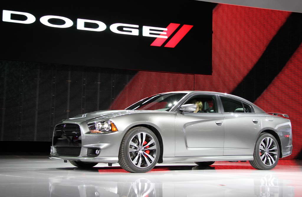 First Look: 2011 Dodge Charger SRT8