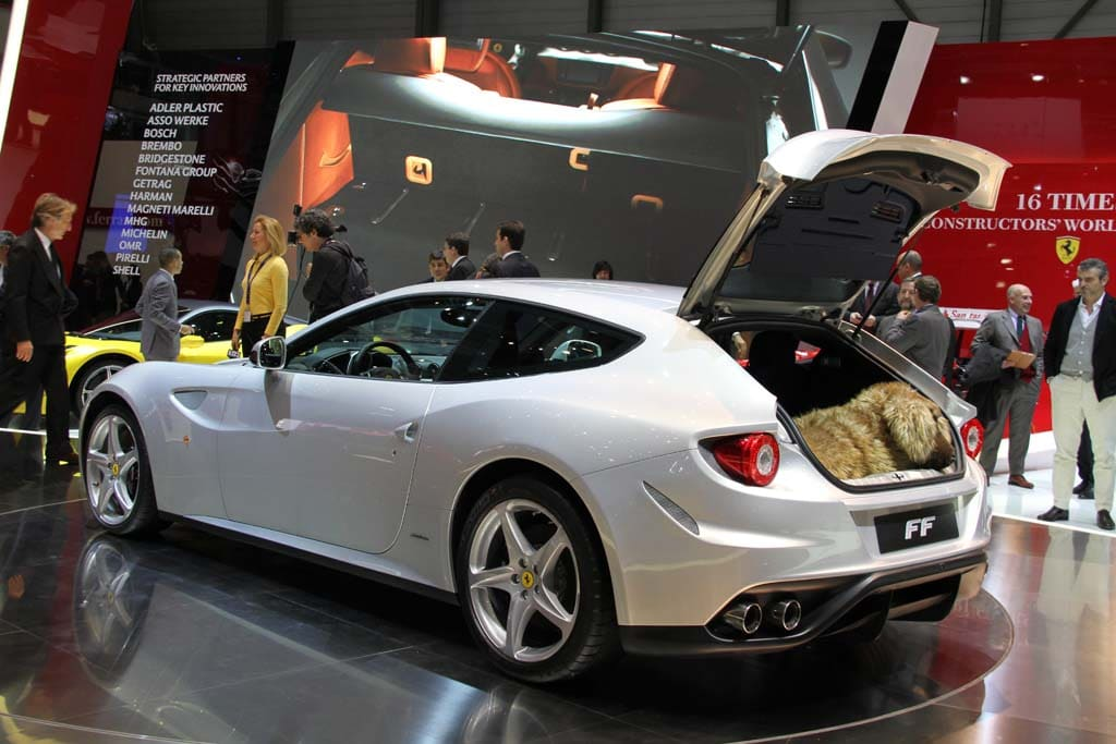 First Look: Ferrari FF | TheDetroitBureau.com