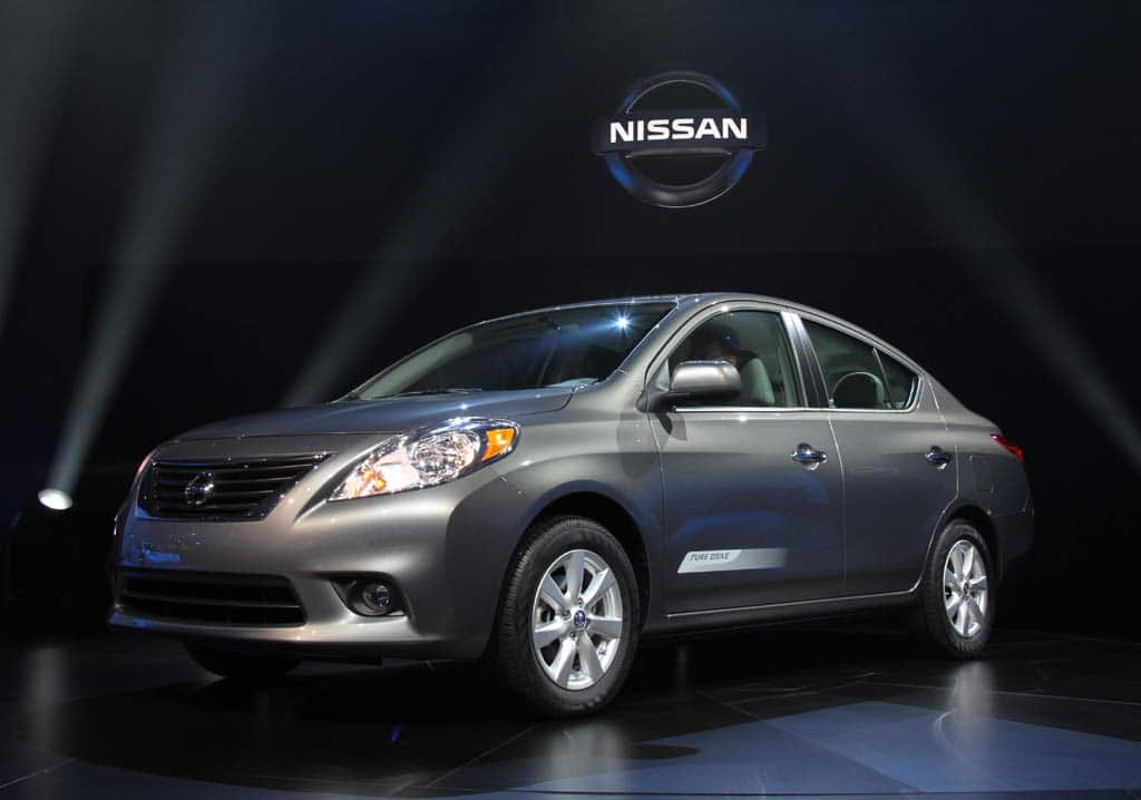 first look 2012 nissan versa sedan. Black Bedroom Furniture Sets. Home Design Ideas